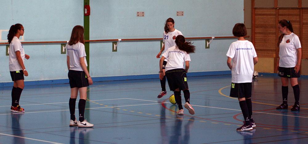 Equipe féminine du Romorantin Futsal à l'échauffement